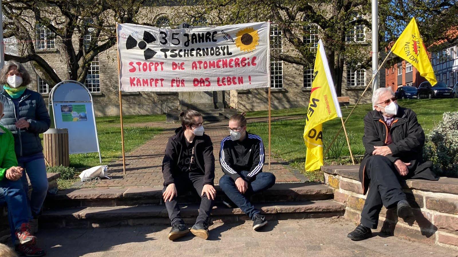 Mahnwache: 35 Jahre nach Tschernobyl und 10 Jahre nach Fukushima